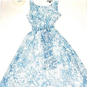 Blue and white floral sleeveless dress size PS